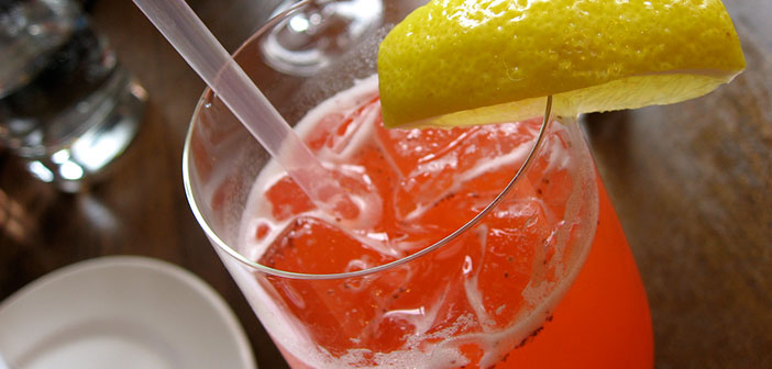 cilekli-limonata-tarifi Çilekli Limonata Tarifi